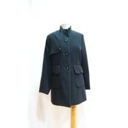 Abrigo negro corto
