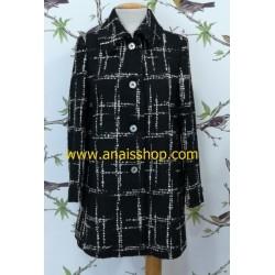 Abrigo corto negro y blanco