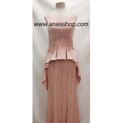 Vestido largo de fiesta con peplum en rosa palo