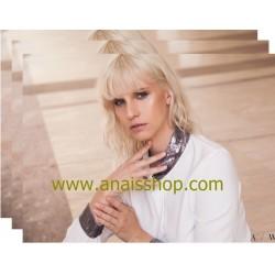Blusa de gasa blanca con cuello y puños de lentejuelas