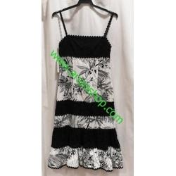 Vestido blanco y negro de Tapioca